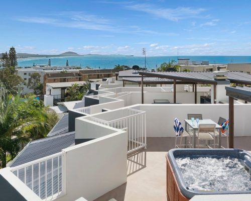 apartment-17-ocean-vista-1